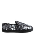 Soft slippers - Black/Star Wars - Men | H&M CN 1