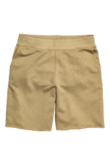 Short sweatshirt shorts