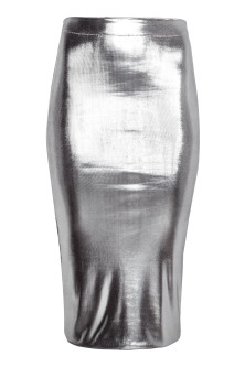 Shimmering pencil skirt