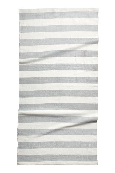 Tapis rayé en coton - Gris clair - Home All | H&M FR 1