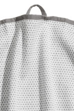 Textured tea towel - Grey/Patterned - Home All | H&M CN 2