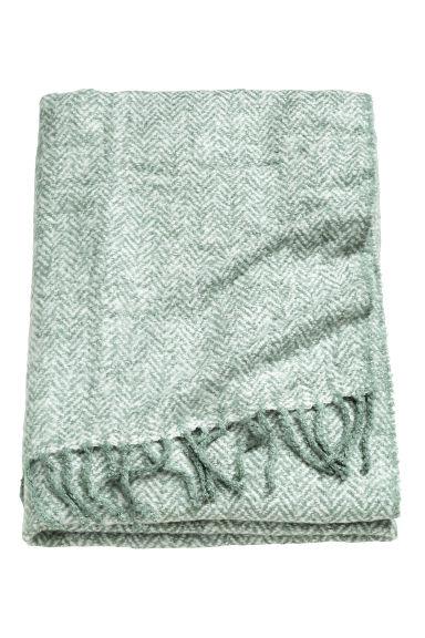 Herringbone-patterned blanket - Dusky green - Home All | H&M CN 1