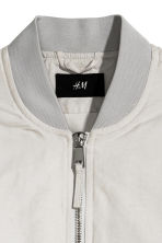 Padded bomber jacket - Light grey - Men | H&M CN 3