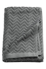 Jacquard-patterned bath towel - Dark grey - Home All | H&M CA 1