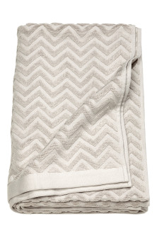 Jacquard-patterned bath towel