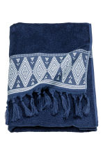 Bath towel with embroidery - Dark blue - Home All | H&M CN 1