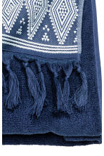 Bath towel with embroidery - Dark blue - Home All | H&M CN 3