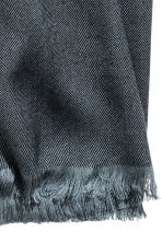 Herringbone-patterned scarf - Black - Men | H&M 2