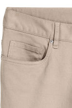 Twill trousers Slim fit - Light beige - Men | H&M CN 4
