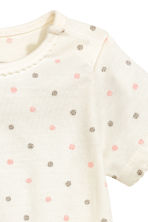荷葉邊上衣 - Nat. white/Spotted - Kids | H&M 2