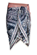 Patterned sarong - Dark blue/Patterned - Ladies | H&M 1