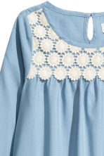 Blouse with lace - Blue - Kids | H&M 3