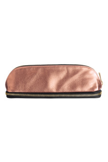 Make-up brush bag