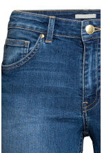 Pantaloni super-stretch - Blu denim - DONNA | H&M IT 4