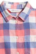 Cotton twill shirt - Coral/Checked -  | H&M CN 3