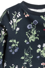 Sweatshirt - Dark blue/Floral - Kids | H&M GB 3