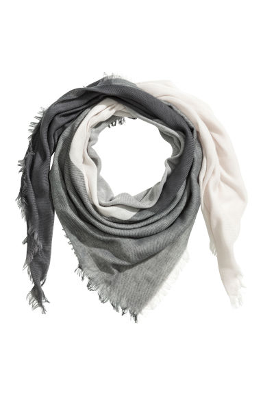 Block-patterned scarf - Grey/White - Ladies | H&M CN 1