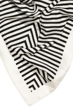 Large scarf - White/Black striped - Ladies | H&M 3