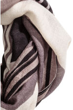 Airy tube scarf - Black/Striped - Ladies | H&M CN 3
