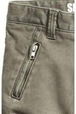 Shaped leg trousers - Light khaki green - Kids | H&M 5