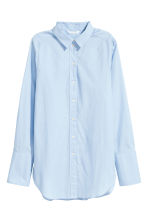 Wide cotton shirt - Light blue - Ladies | H&M 2
