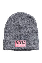 Stickad mössa - Svartmelerad/New York -  | H&M FI 1
