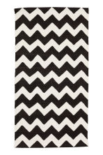 Zigzag-print cotton rug - White/Anthracite - Home All | H&M CN 2