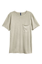 T-shirt with a chest pocket - Light mole - Men | H&M 2