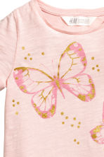 Short-sleeved top - Light pink/Butterflies -  | H&M CN 3