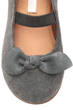 Suede shoes - Dark grey -  | H&M 4