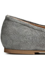 Suede shoes - Dark grey -  | H&M 5