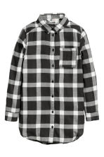 Long flannel shirt - Dark grey/Checked - Kids | H&M CN 2