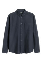Camicia in cotone Oxford - Blu scuro - UOMO | H&M IT 2