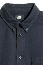 Camicia in cotone Oxford - Blu scuro - UOMO | H&M IT 3