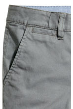 Slim fit Chinos - Dark grey -  | H&M 3
