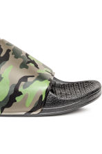 Patterned pool shoes - Khaki green/Patterned - Men | H&M CN 4