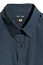 Camicia easy-iron Slim fit - Blu scuro - UOMO | H&M IT 3