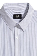 Easy-iron shirt Slim fit - White/Dark blue/Striped - Men | H&M 3