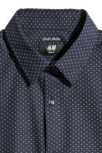 Easy-iron shirt Slim fit - Dark blue/Spotted - Men | H&M 2