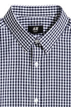 Easy-iron shirt Slim fit - Dark blue/Checked - Men | H&M 2