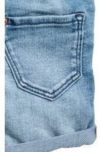 Denim dungaree shorts - Denim blue -  | H&M 4