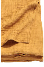 Crinkled cotton bedspread - Mustard yellow - Home All | H&M CN 2