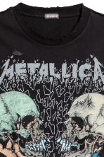 T-shirt with a print motif - Black/Metallica - Men | H&M CN 3