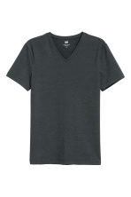 T-shirt scollo a V Slim fit - Grigio antracite - UOMO | H&M IT 2