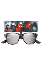 Sunglasses - Black/Spiderman - Kids | H&M CN 3
