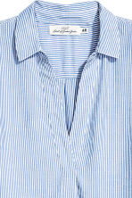 V-neck blouse - Blue/White/Striped - Ladies | H&M 3