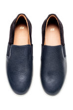 Sneakers slip-on in pelle - Blu scuro - UOMO | H&M IT 2
