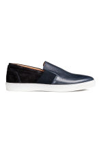 Sneakers slip-on in pelle - Blu scuro - UOMO | H&M IT 1