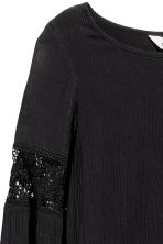 Crinkled top with lace - Black -  | H&M CN 3