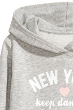 Printed hooded top - Grey/New York - Kids | H&M 3